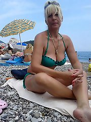 Gallant mature milfs playing alone