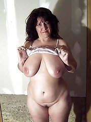 Passionate MILF is having fun with her boyfriend